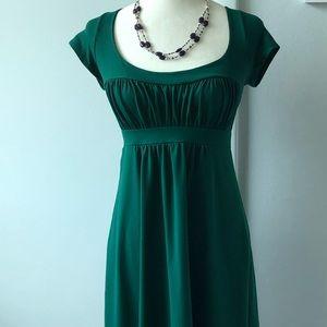 Susana Monaco cap sleeve green dress . Size Med.